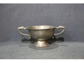 双龙耳铜杯